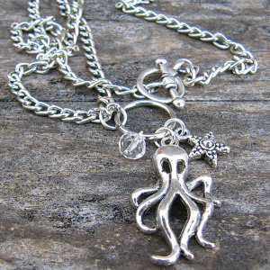 'Charm'ing Cthulhu - Necklace - Weezie World