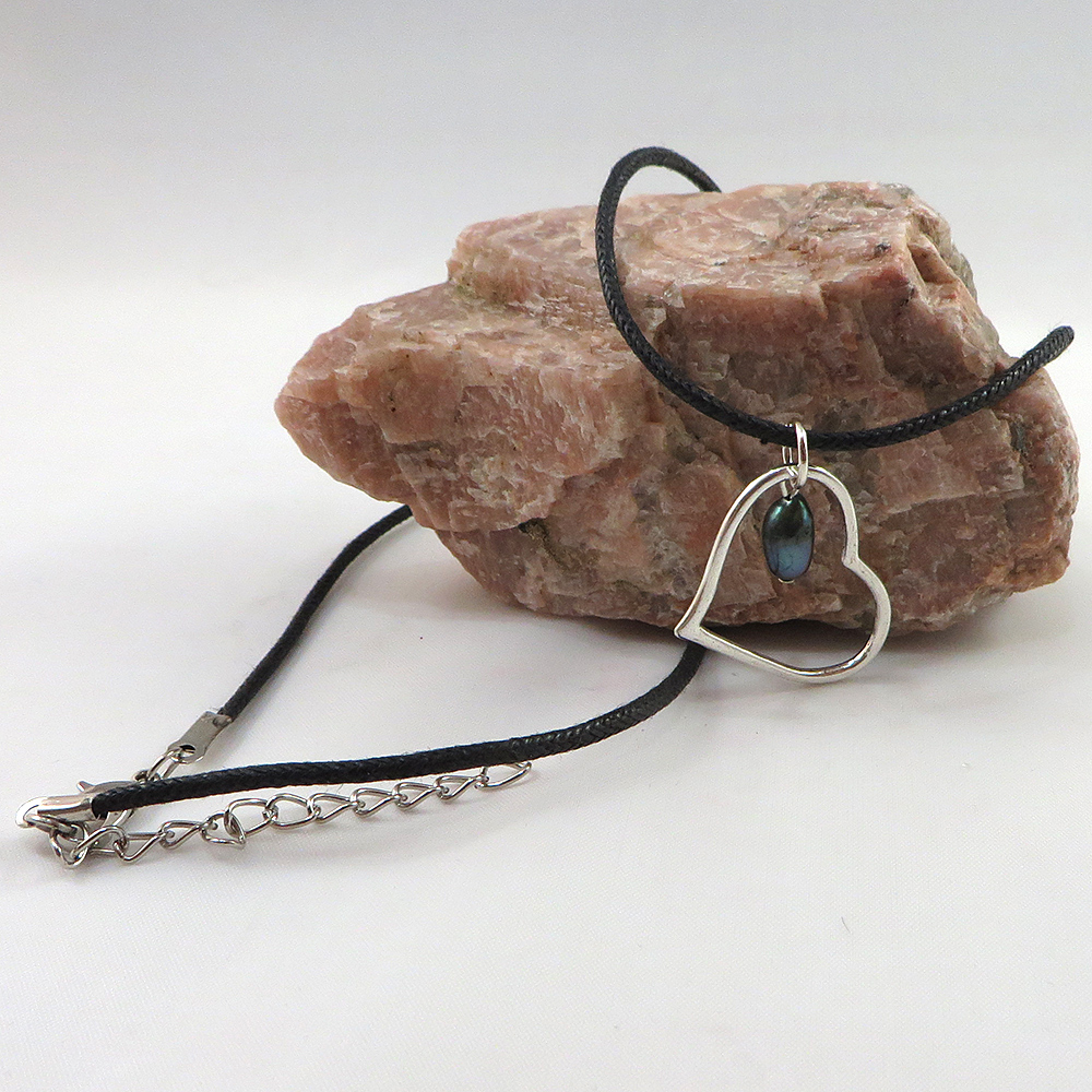 A Casual Heart (Slate) - Necklace - Weezie World